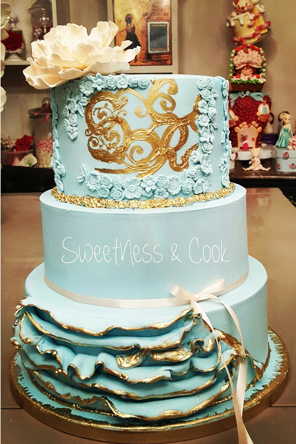 Wedding Cake Something Blue