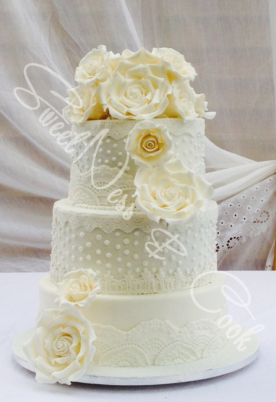 Wedding Cake Shaby Chic