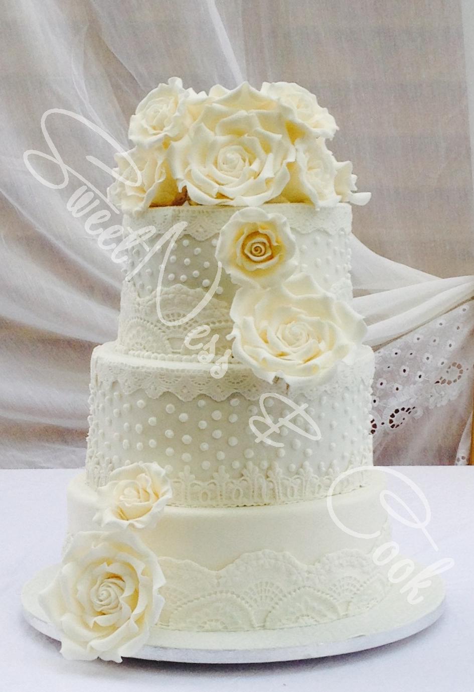 Wedding Cake Shaby Chic