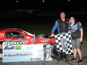 Nester Survives for Modified Glory in #PrimeTime at Corrigan Oil Speedway
