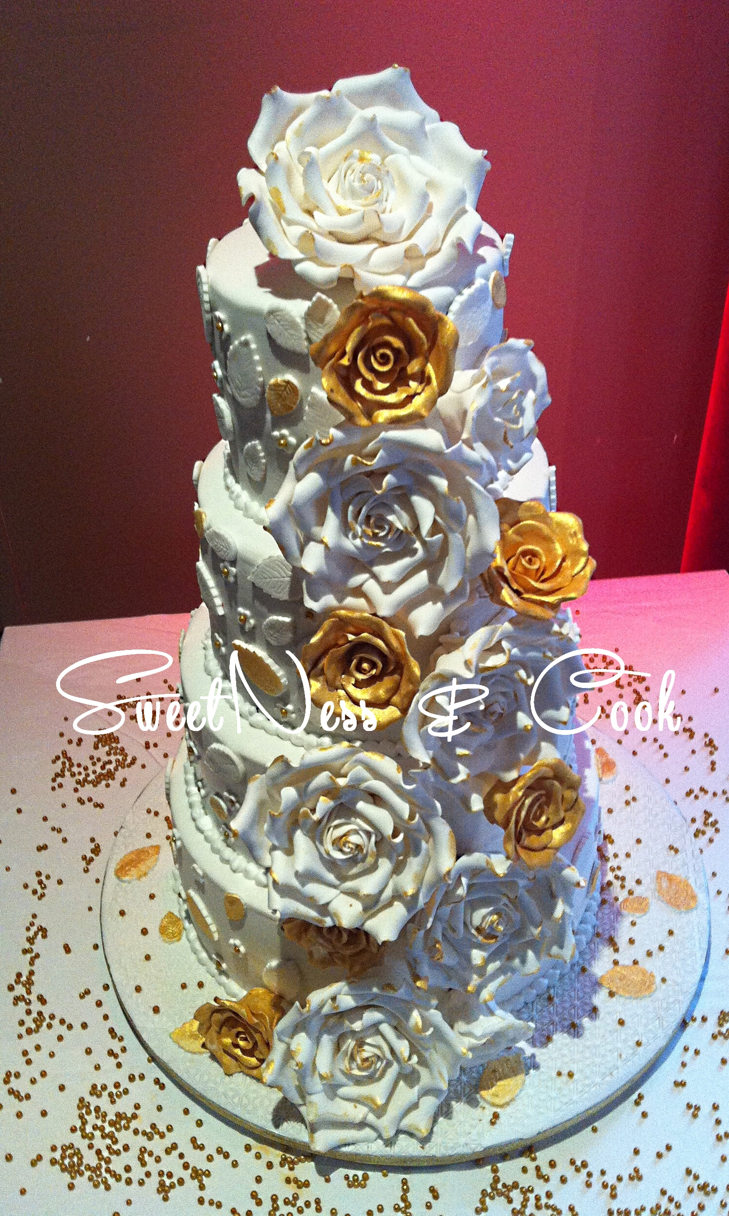 Wedding Cake blanc et or