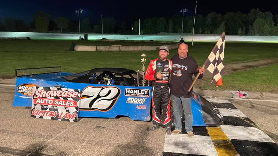 Finley Wins Owosso Nationals in Rare Asphalt Appearance