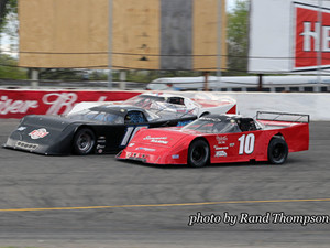 Drivers and Fans of Outlaw Late Models Have a Choice to Make Saturday