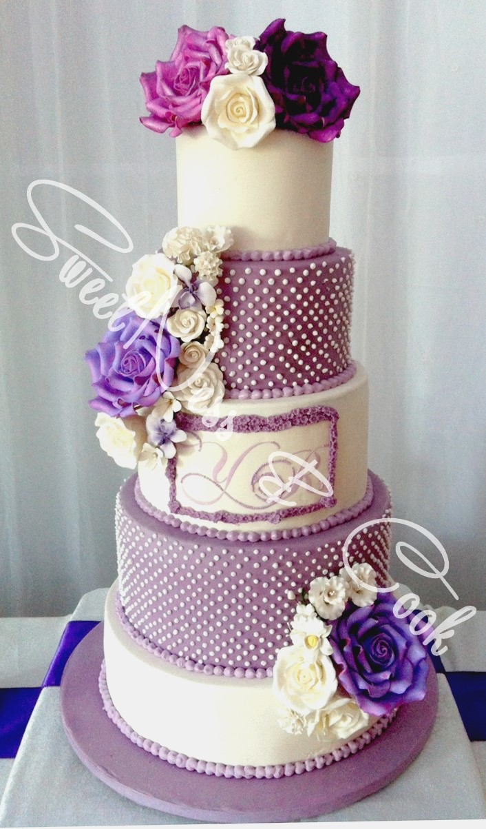 Wedding Cake roses parmes
