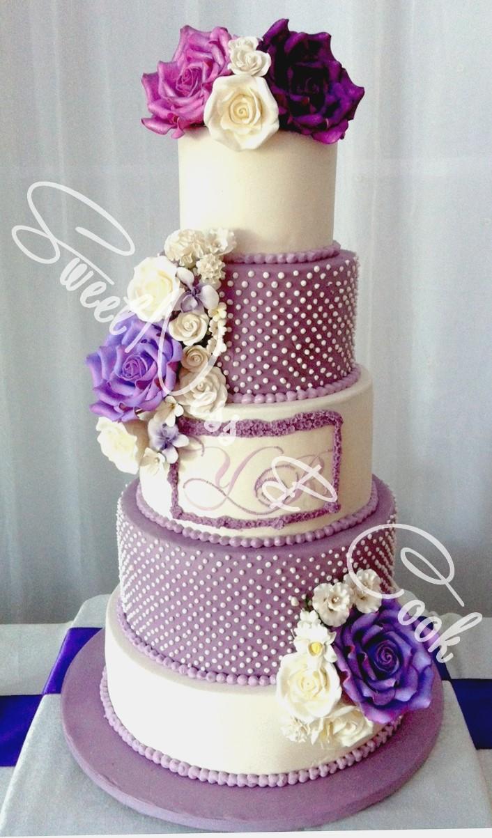 Wedding Cake roses parmes
