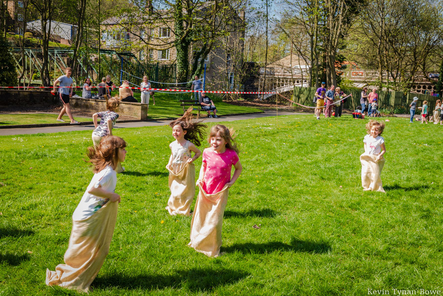 Traditional field games in Holmes Park and the Luddendenfoot Community Association