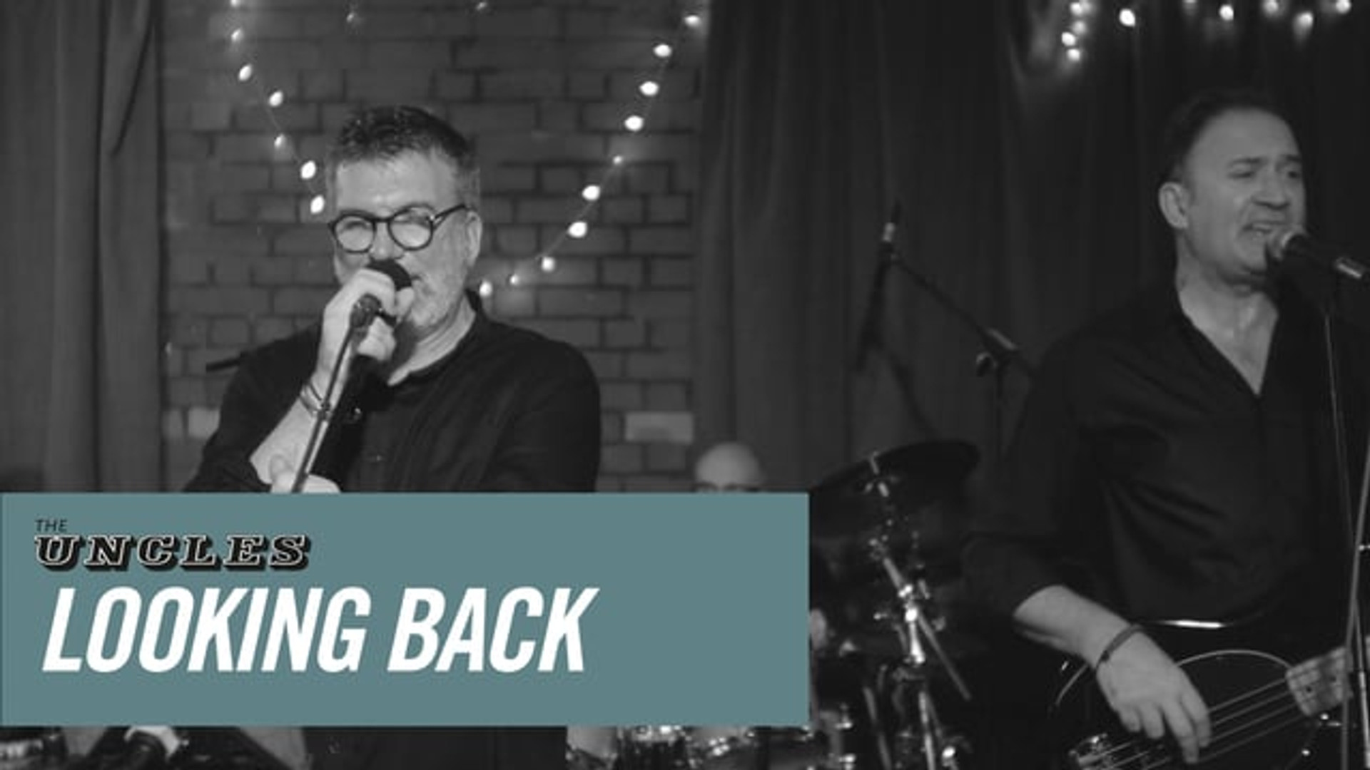 Looking Back - The Uncles, live at the Green Bank