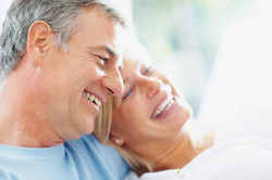 elderly-couple-smiling