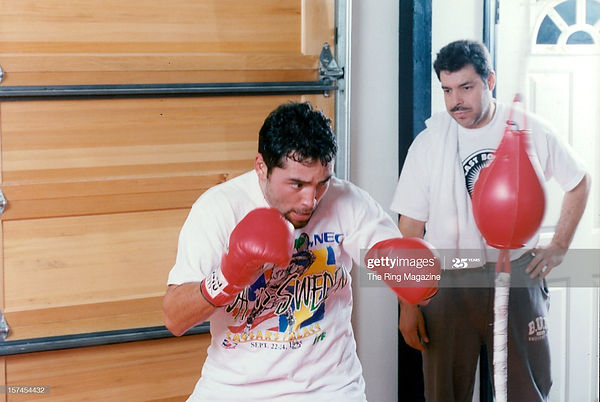 Oscar De La Hoya and Robert Alcazar - Se