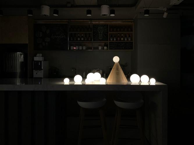 PR_TA_Bauble Lamp_PH_4.jpg