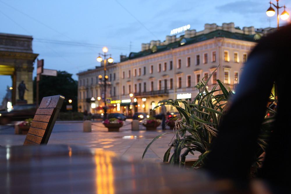 кафе у Казанского собора