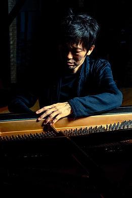ジャズピアノ科レッスン講師 石井彰のプロフィール写真