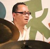 ドラム科レッスン講師 井上功一のプロフィール写真