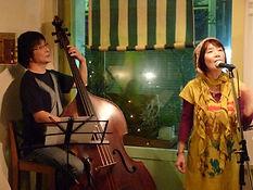ボーカル・弾き語り・ボイストレーニング科レッスン講師 さがゆきと水谷浩章のデュオライブ