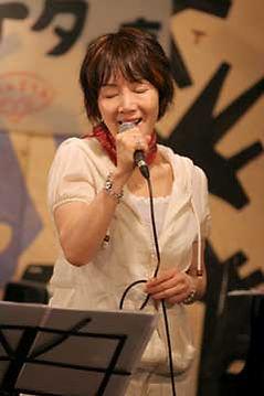ボーカル・弾き語り・ボイストレーニング科レッスン講師 さがゆきのライブ@アケタの店