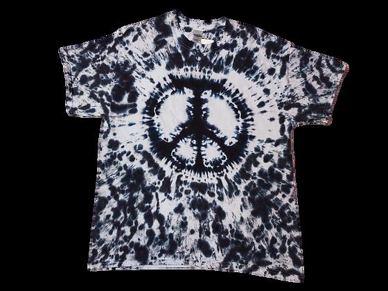 Make a Single-color Mottled Peace Sign Shirt
