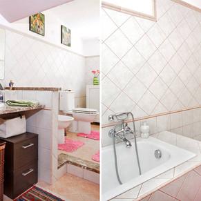 Bagno con doccia e vasca, piano mansardato