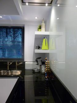 Tijdloze keuken in zwart-wit