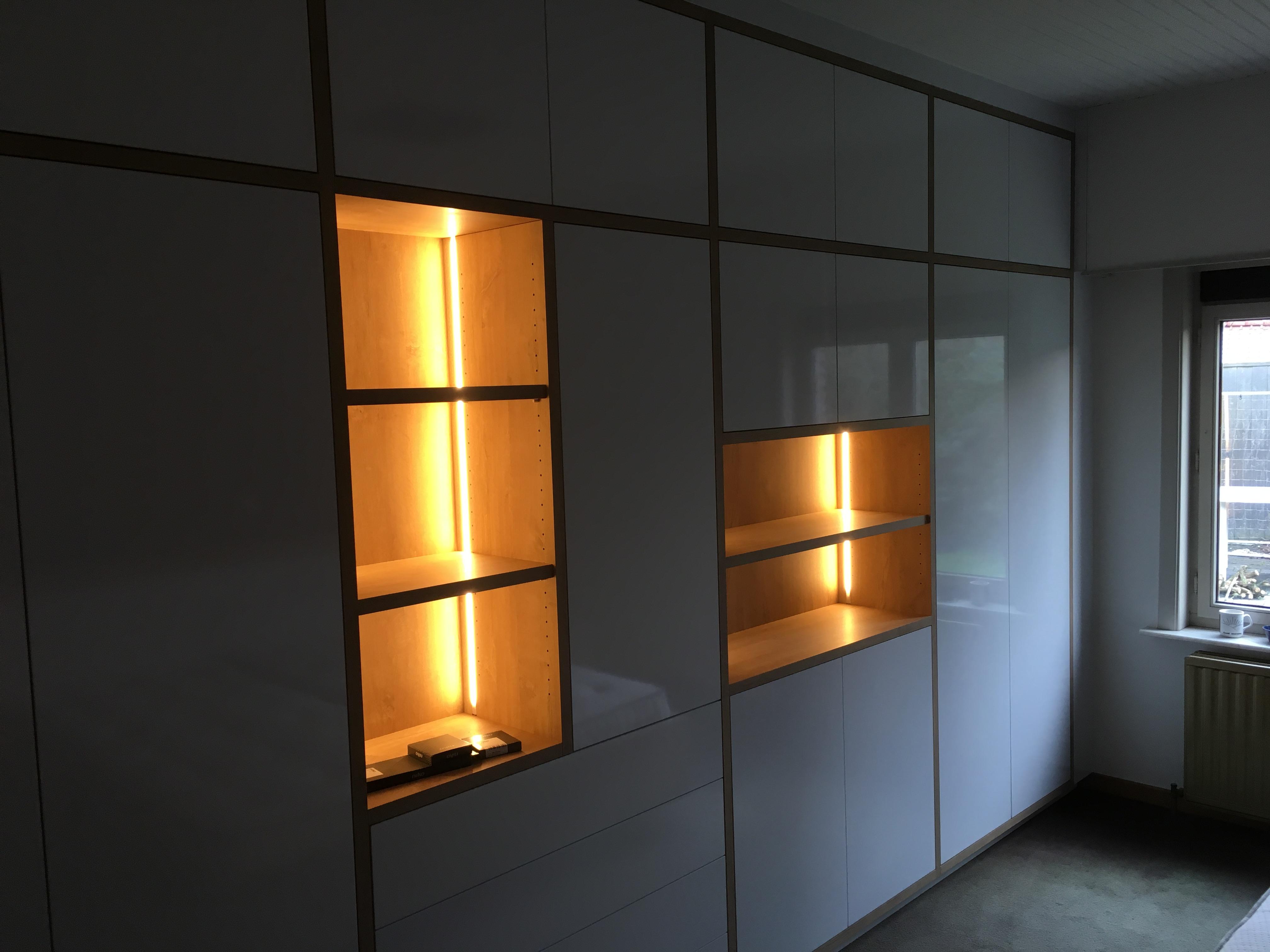 Moderne kastenwand