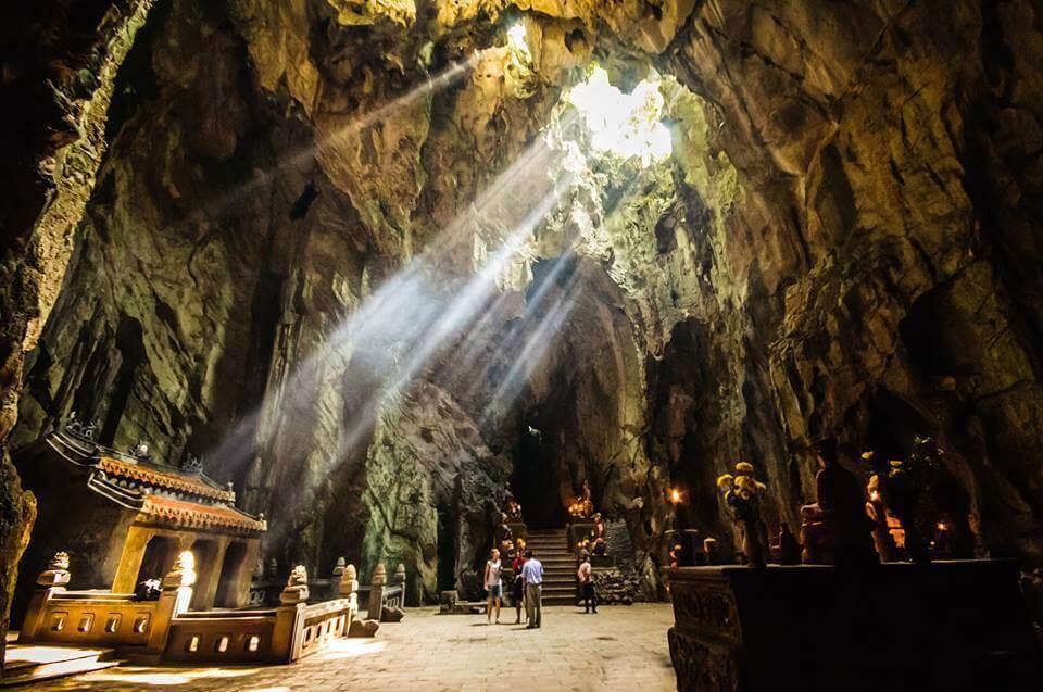 TOP  TOURIST ATTRACTING SPOTS IN DA NANG