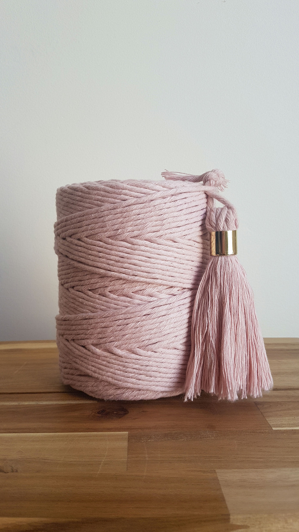 https://www.macrameuk.com/product-page/stop-it-i-m-blushing-single-ply-macrame-cord