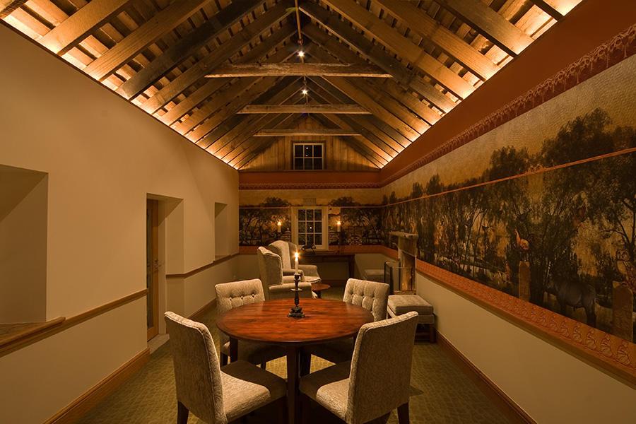 nant06-OCT08_LLG5683_interior-dining.jpg