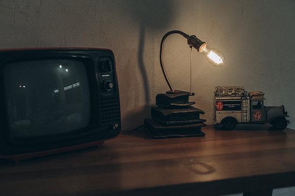 מנורת קריאה עם בסיס קרמיקה