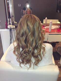 beach curls, bridal hair