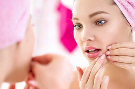 With various types of chemical peels, your Chicago dermatologist has solutions for acne prone skin