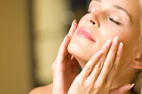 Chemical peel or microdermabrasion? Dermatologist in Chicago, IL compares downtime