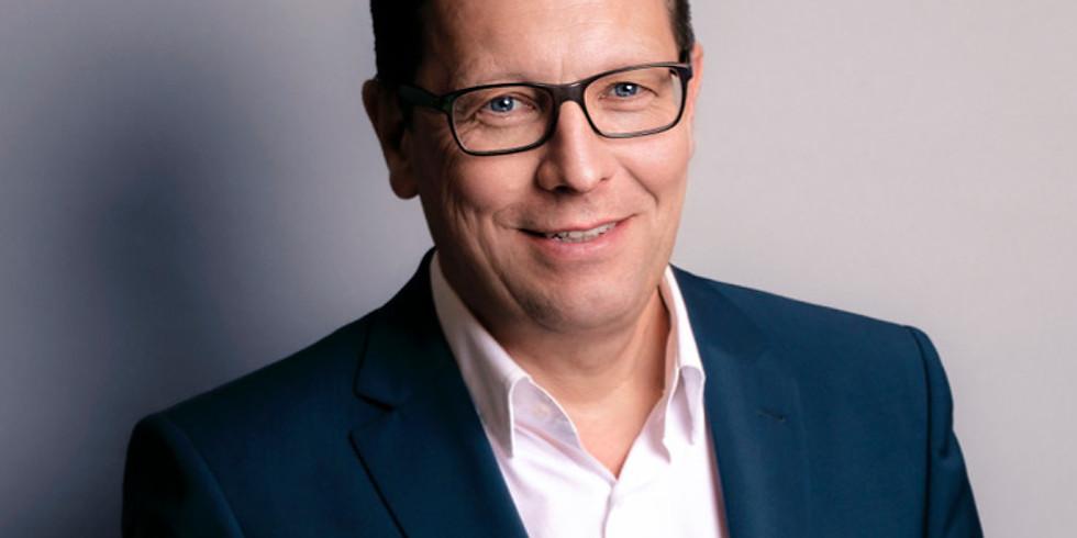 Liebe als Erfolgsprinzip – Vortrag vom Chefredakteur der BUNTE –Robert Pölzer