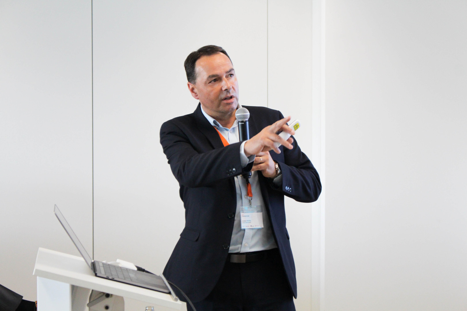 ANDREW BICKLEY   Technologie Marketing Direktor - EMEA