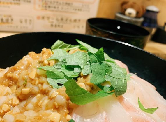 イカ納豆と鯛のおつくり