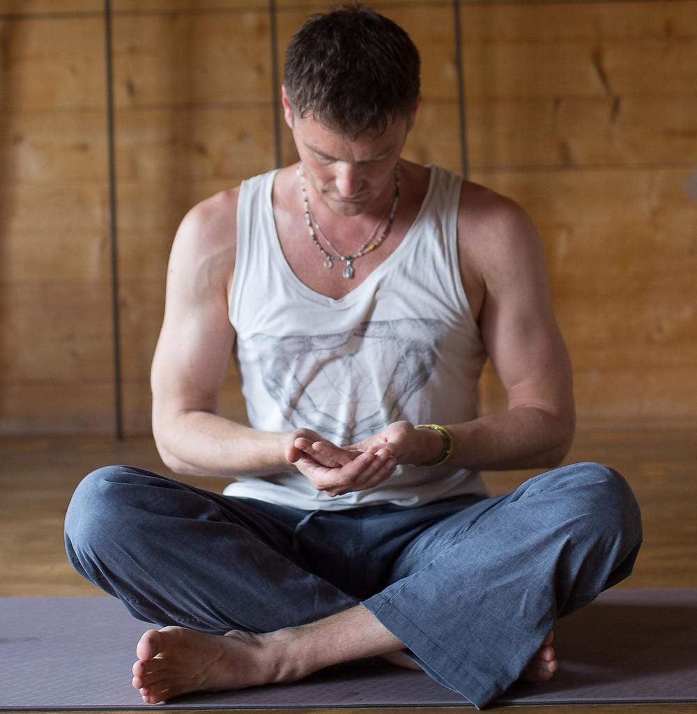 Meditation im Yogaladen Offenbach & Frankfurt