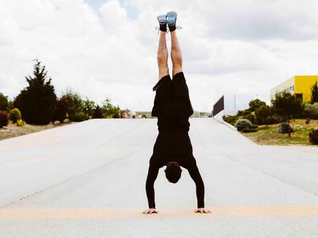 Handstand oder Meditation - Hauptsache Yoga.