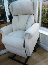 Riser_chair4.jpg