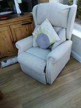 Riser_chair2.jpg