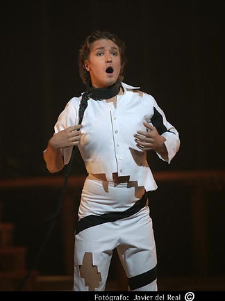 Maxim Mironov as Lindoro Madrid