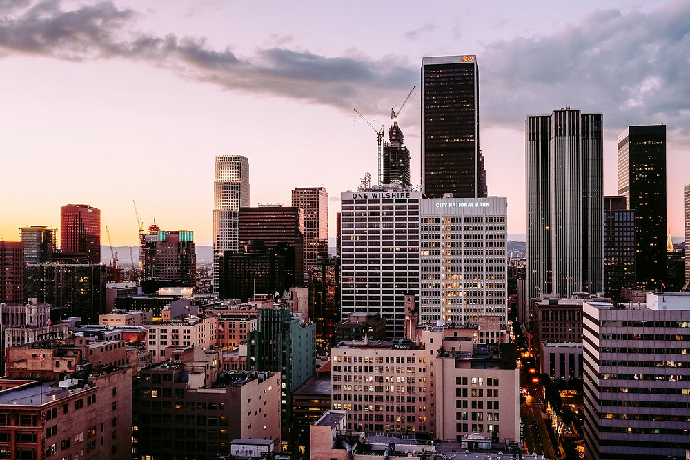 ロサンゼルス、ダウンタウンの夕暮れ