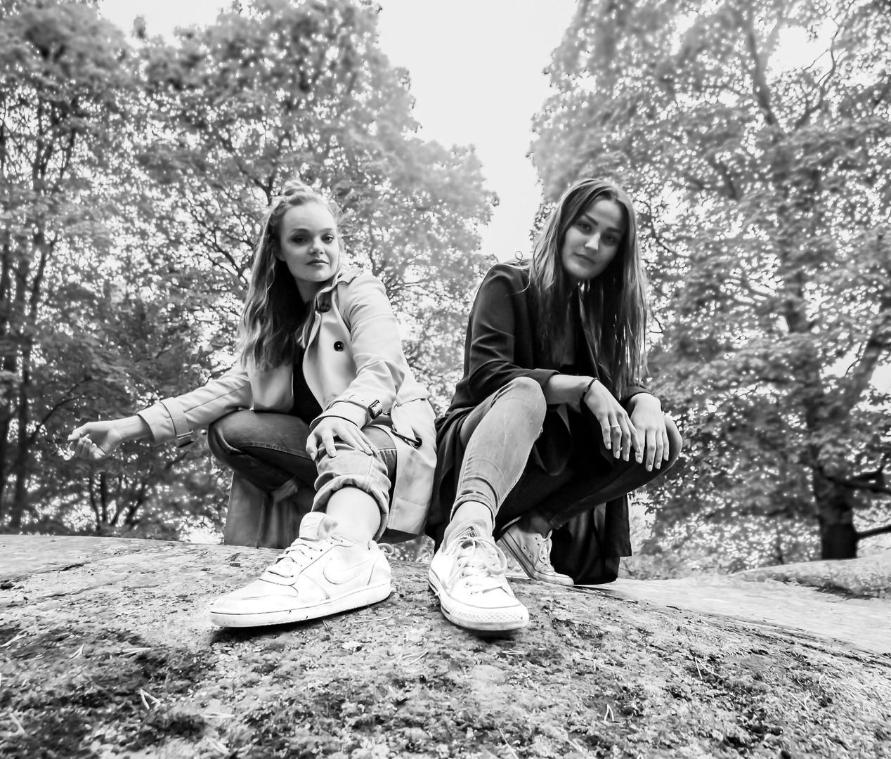Jenny&Vanessa Macro (13 of 1).jpg