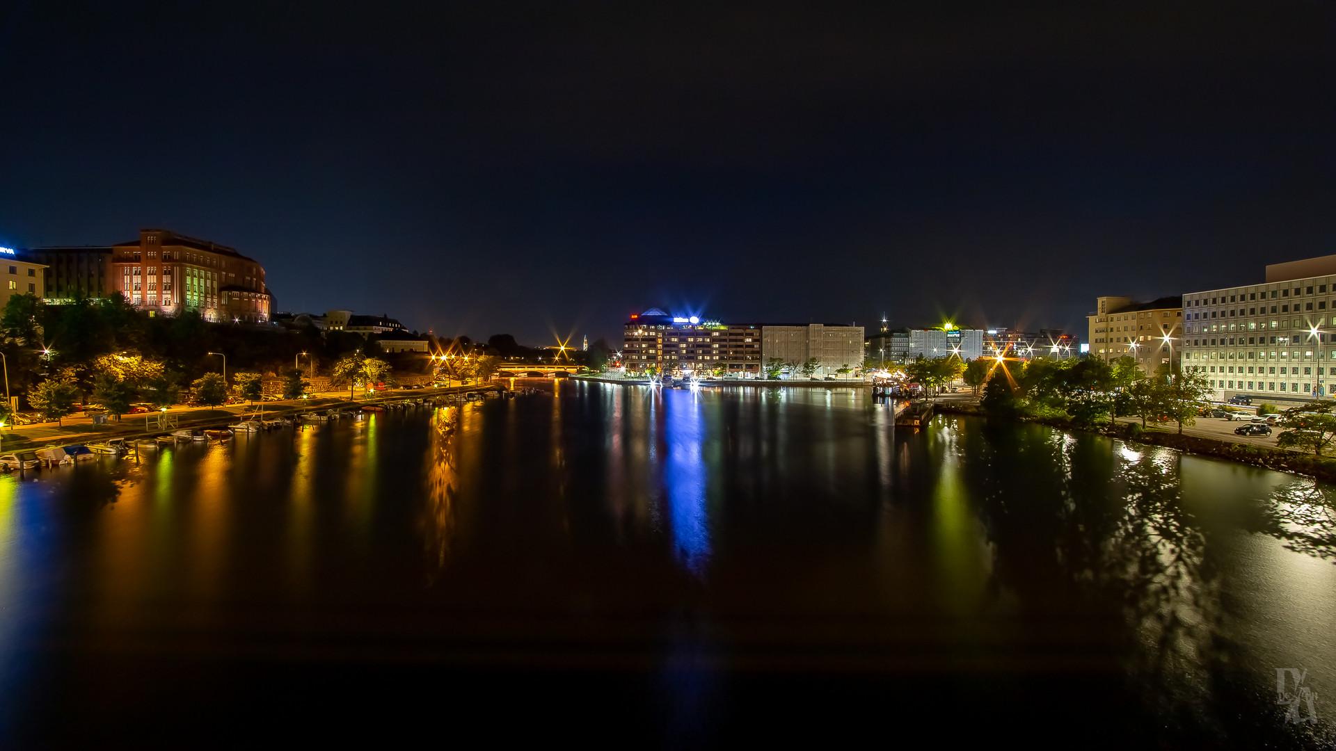 Friday Night in Helsinki (1 of 1).jpg
