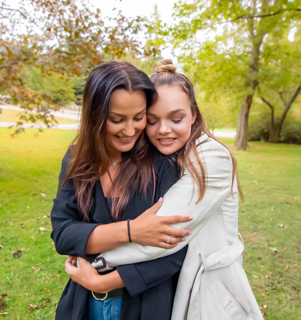 Jenny&Vanessa Macro (15 of 16).jpg