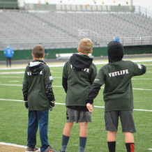VETLIFE   Little Troops on the Field