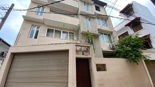 Mount Lavinia Three Storey House for Sale - 7 Bed Rooms / 6 Bathrooms - Near S.Thomas' College