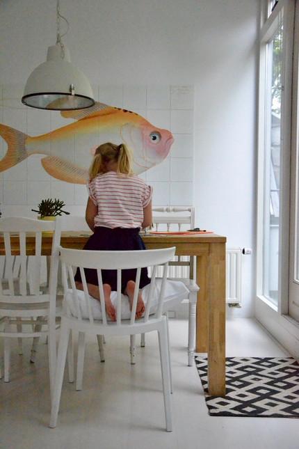 Rustig tekenen aan de keukentafel