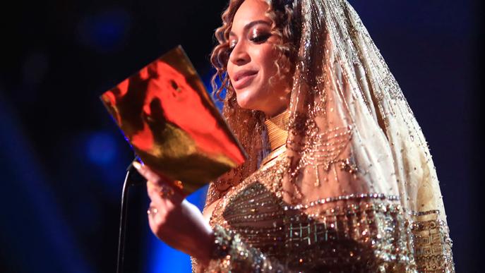 O que a Beyoncé ganhou foi maior que um Grammy