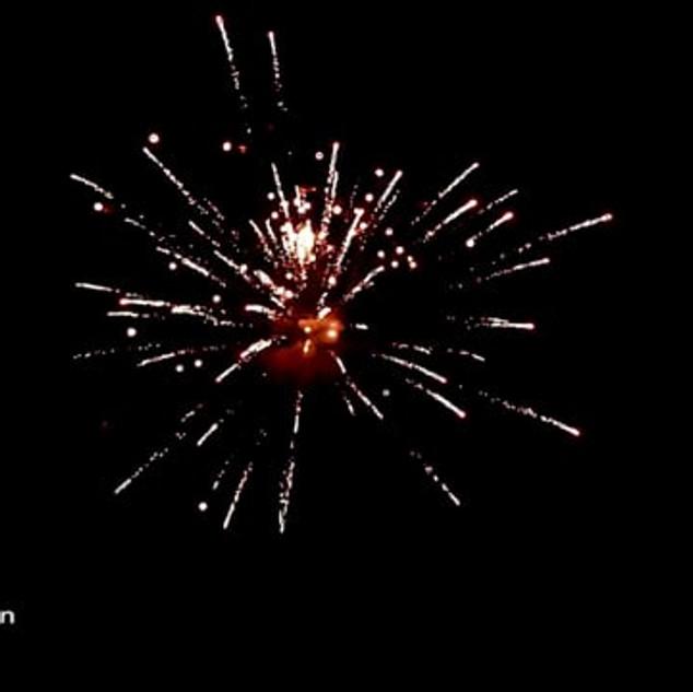 Blue Lagoon Πυροτεχνήματα 25 Βολών