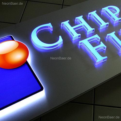 Leuchttransparent mit Plexiglasbuchstaben