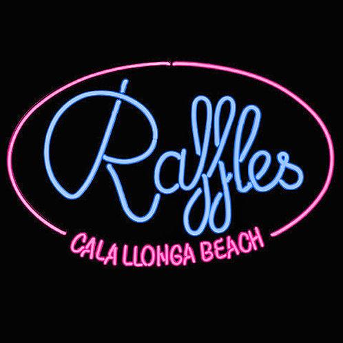 Raffles Cala Llonga Beachbar Leuchtreklame