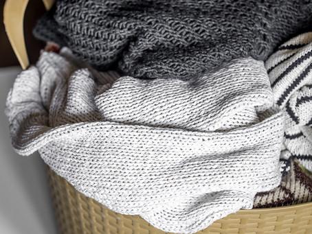 Najefektívnejší spôsob ručného prania delikátnych odevov v umývadle